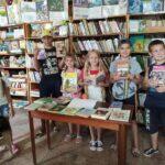 Книжная выставка-обзор «Я иду в школу»